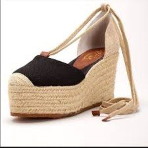 Nine West Vayoudig Wedges